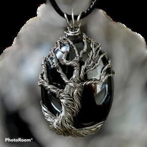 handgemaakte hanger met tree of life op hematiet