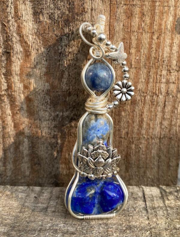 weeny yogini with lapis lazuli peeny